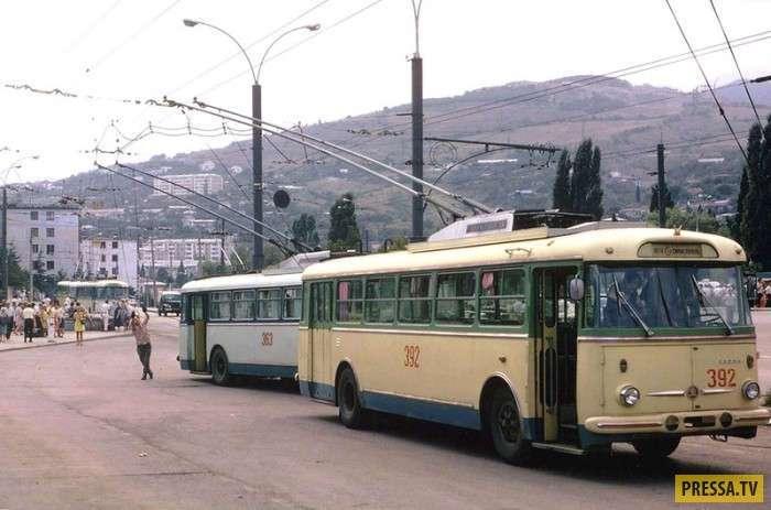 На маршруте N12 Симферополь — Ялта в 1973 году (9 фото)