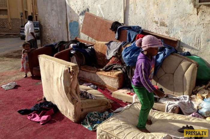 poverty in saudi arabia essay Saudi arabia world usually sees a wealth of luxury shopping centers , but as much as a quarter of the population is estimated to live in extreme poverty.