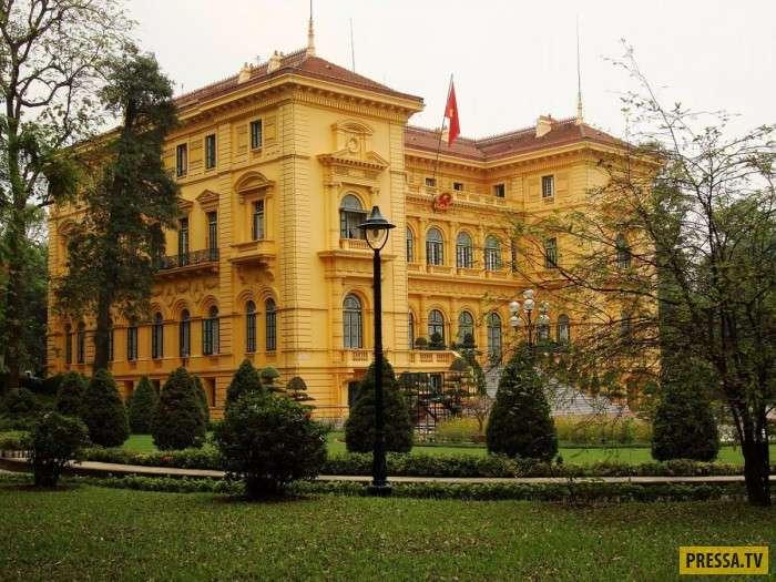 Пышные резиденции глав государств (19 фото)