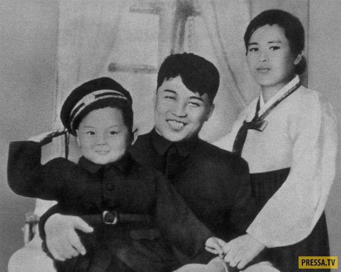 Детские и юношеские фотографии известных политиков (19 фото)