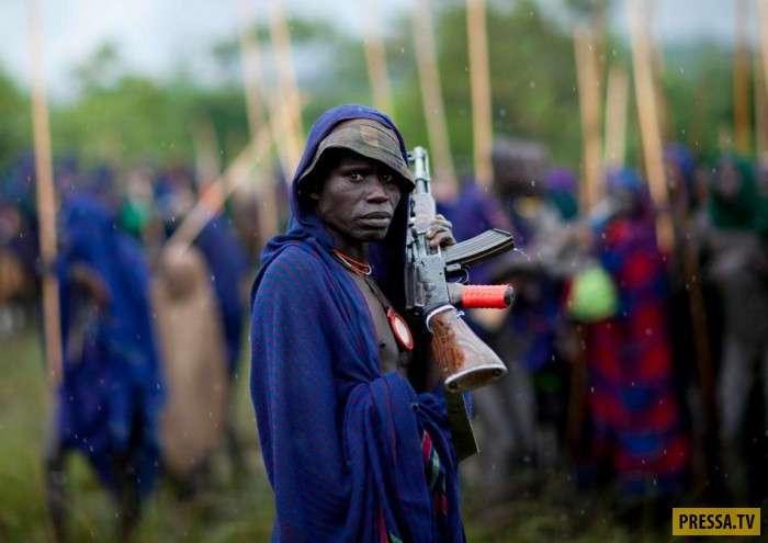 Как воины племени Сури привлекают внимание женщин (28 фото)