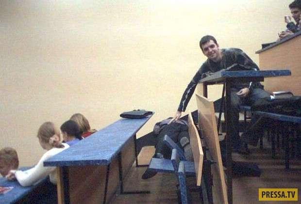 Чем занимаются современные студенты вместо учёбы (22 фото)