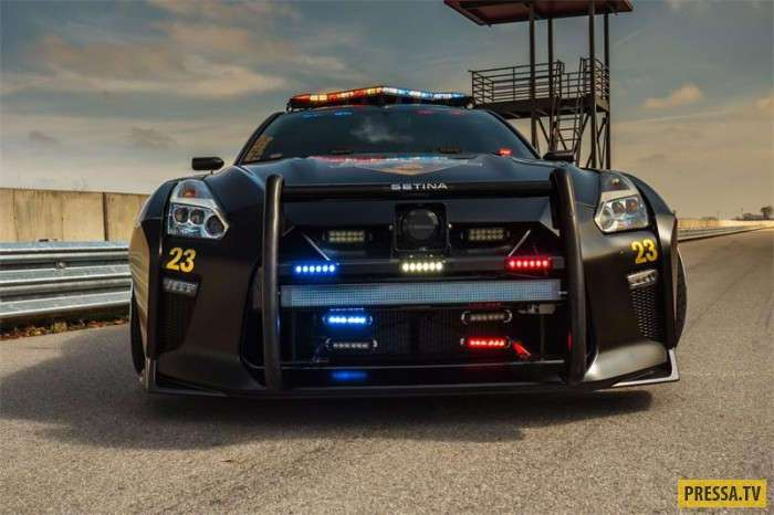 Экстра-специальная модель Nissan GT-R Pursuit 23 (12 фото)