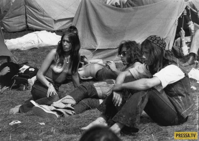 Жизнь американских хиппи в фотографиях (17 фото)