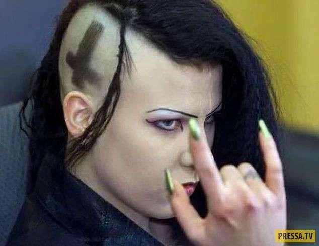 (18+) ТОП-10 жестоких убийц, которые считали себя вампирами (10 фото)