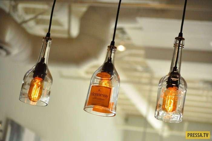 Красивые полезности из стеклянных бутылок для дома и дачи (14 фото)