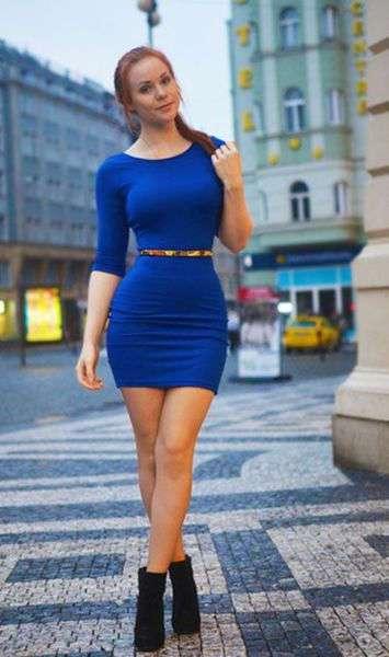 Платья в обтяжку и потрясающие барышни в них