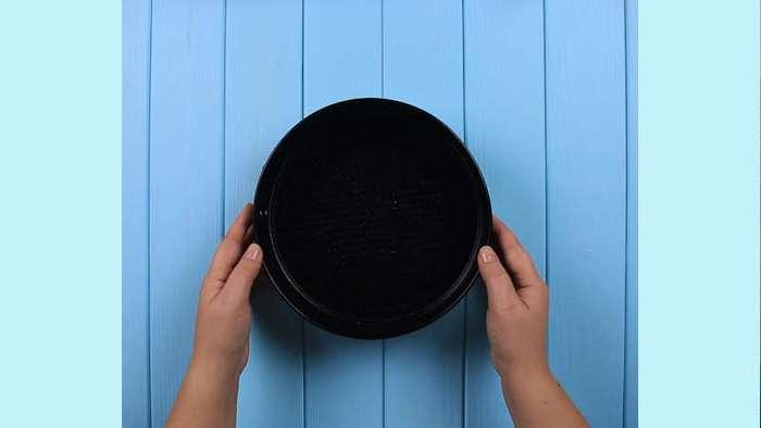2 хитрости для хозяйки: как сделать так, чтобы выпечка не прилипала к форме