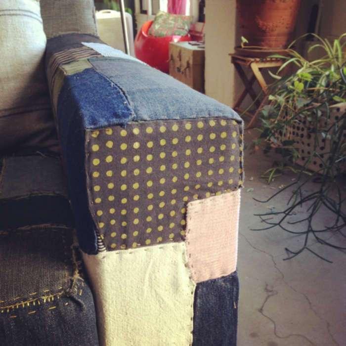 Задекорировать диван своими руками 80