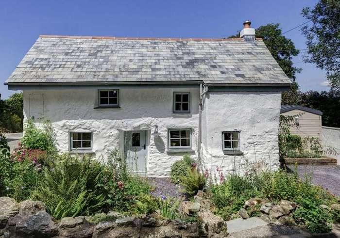 Этому дому 300 лет. Пришло время заглянуть внутрь!