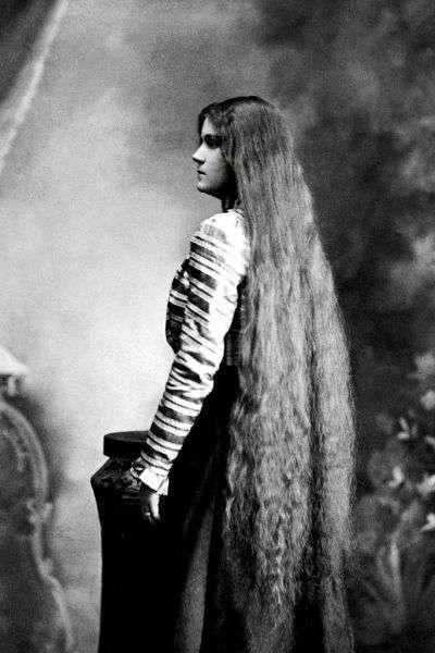 Длинноволосые девушки (45 фото)