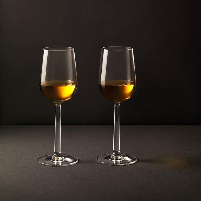 Вот почему разные напитки подают в разных бокалах