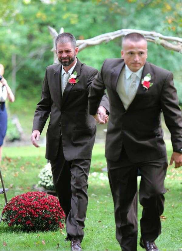 Отец остановил церемонию бракосочетания дочери. Когда я узнала причину, то не сдержала слез!