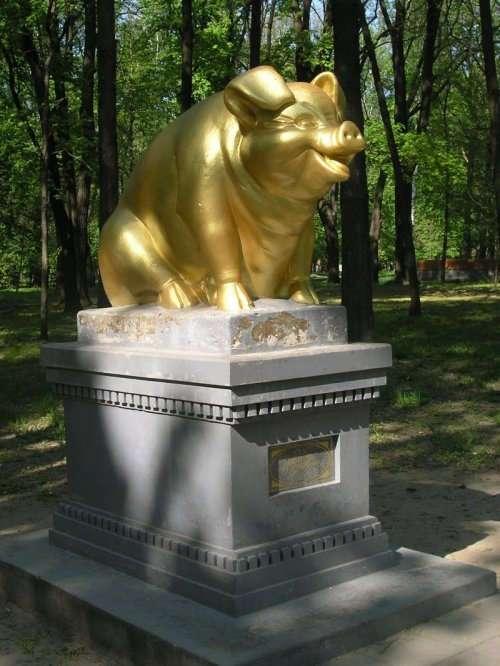 Памятники животным, про которые вы могли не знать (12 фото)