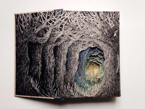 Искусство из книг (16 фото)