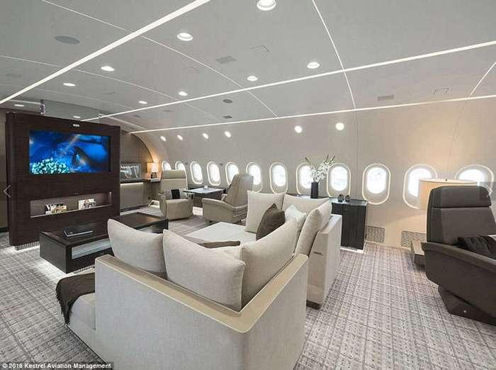 Самолет мечты! Вы просто обязаны заглянуть внутрь...