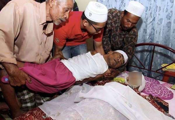 101-летняя мать ухаживала за 63-летним сыном-инвалидом вплоть до дня смерти...