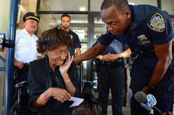 Воровка позарилась на сумочку 86-летней женщины-инвалида. Вот чем все закончилось...