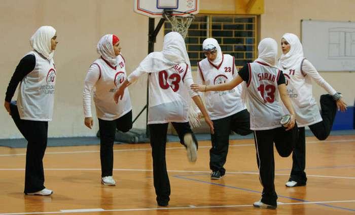 10 вещей, которые запрещены женщинам в Саудовской Аравии