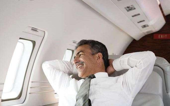 5 странностей, которые происходят с вашим телом, когда вы летите в самолете