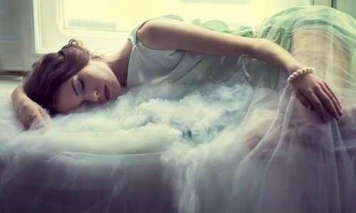 13 странных вещей, которые могут случиться с вашим телом во время сна