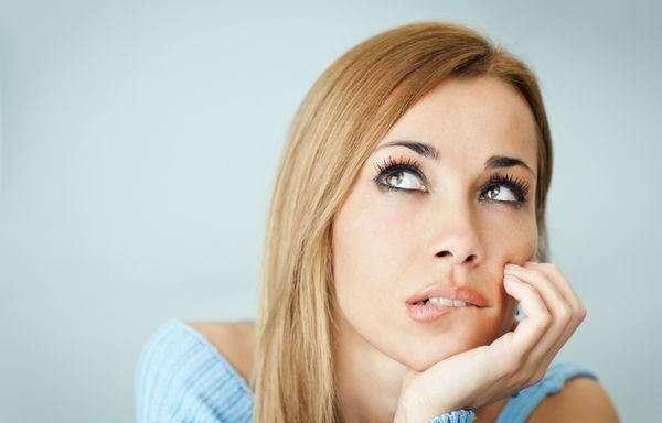 10 мыслей, которые отравляют вашу жизнь