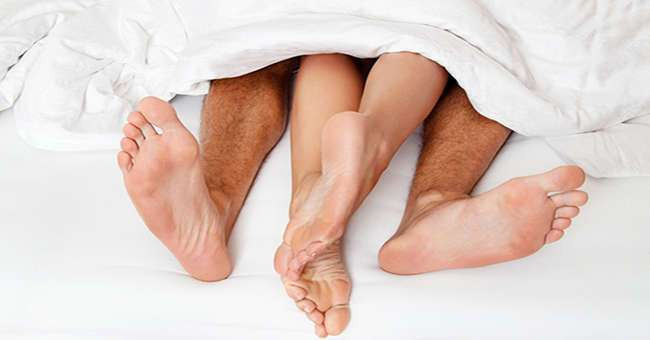 Лучшее время суток для секса с вашим партнером зависит от того, сколько вам лет