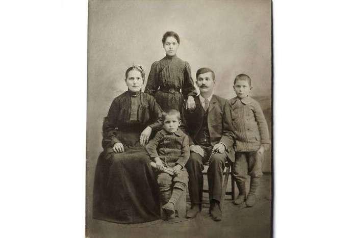 Эта семья должна была плыть на Титанике, но внезапное решение спасло им жизнь!
