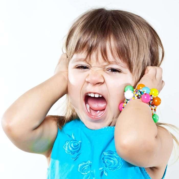 Почему дети ведут себя просто ужасно, когда рядом их мама