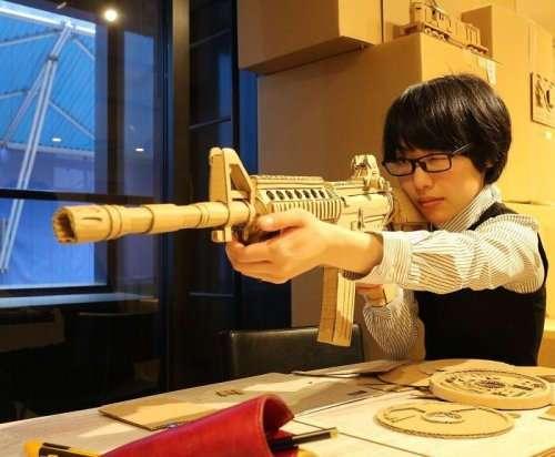 Потрясающе детализированные скульптуры из картона от Мономи Оно (28 фото)