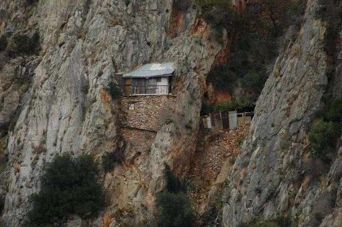 Как живут афонские монахи