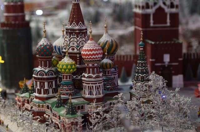 Экскурсия по выставке миниатюр известных городов мира