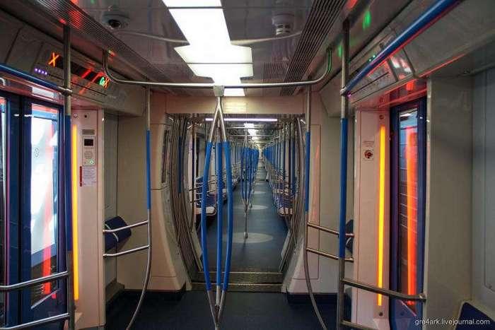 Все достоинства и недостатки нового поезда московского метро