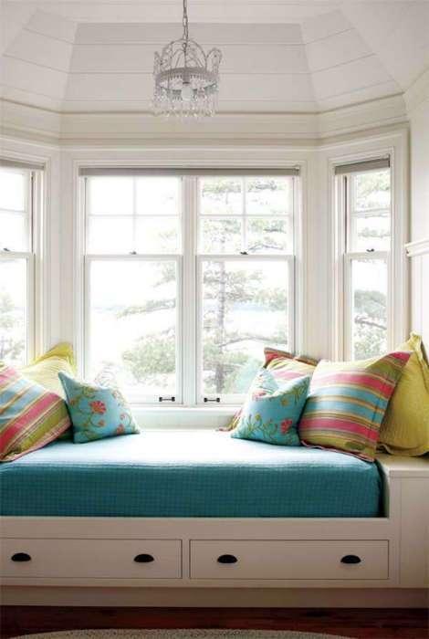 17 захватывающих идей, как правильно оформить уютный уголок у окна для отдыха и чтения