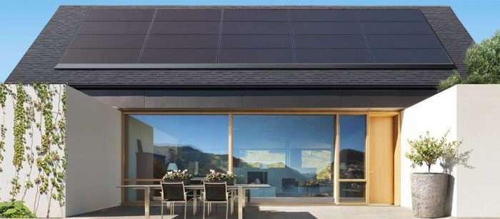 Солнечные панели Tesla на крыше дома избавят от необходимости платить за свет