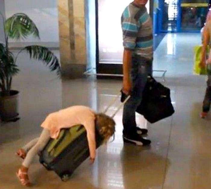 17 убойных фотографий о пассажирах, чей багаж способен не на шутку удивить