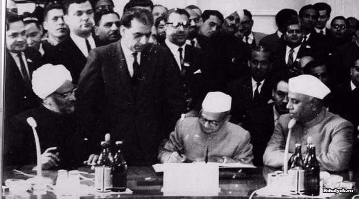Как КГБ решал вопрос Кашмира в 1966 году (8 фото)