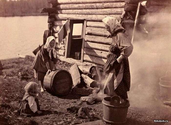Как стирали и гладили в старину на Руси (12 фото)