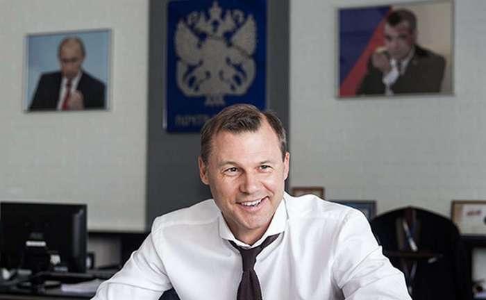Зарплата начальника Почты России и его подчиненных