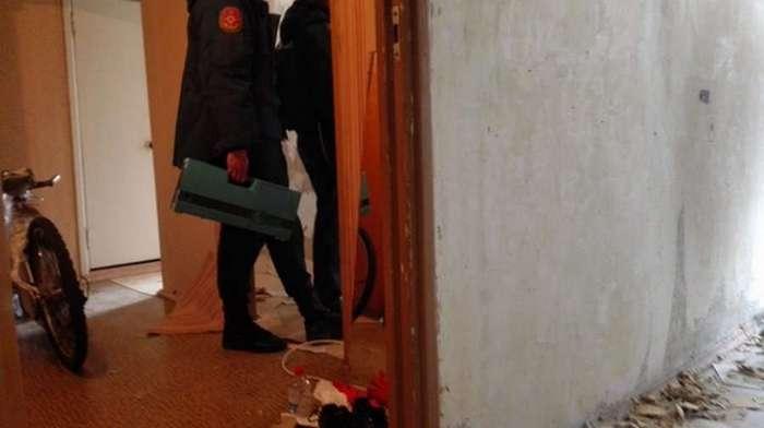 Нет слов. Ртуть в стенах жилого дома (13 фото)