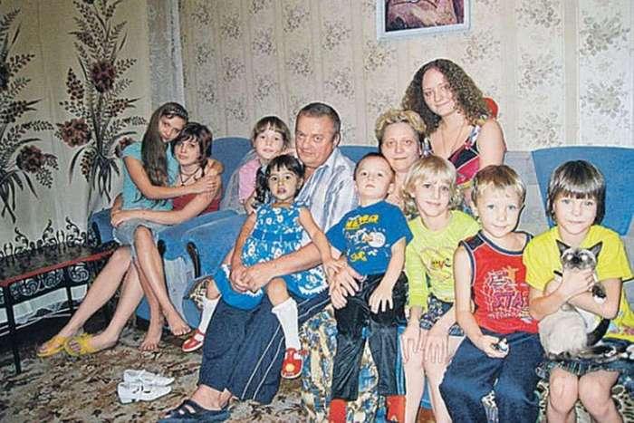 Интересная история: многодетная мама Вера Яматина, которая растит 21 ребенка (4 фото)