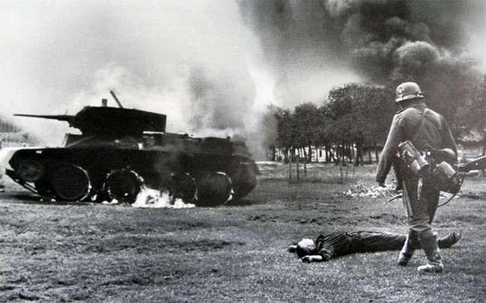 Загадочные и трогательные истории времен Второй мировой войны (12 фото)