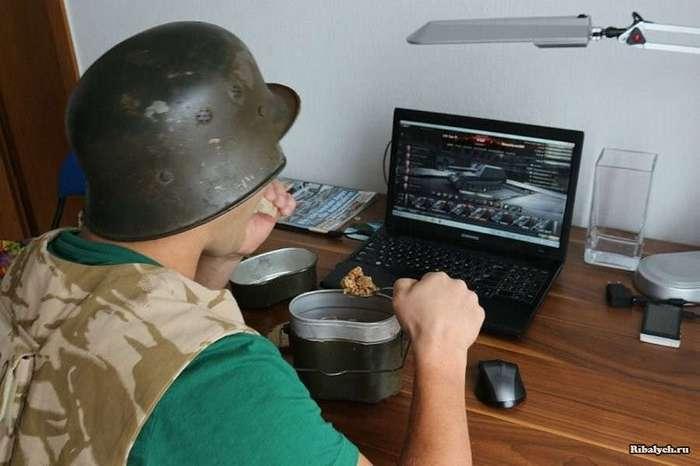 Компьютерный «танкист» был  атакован тещей в реале
