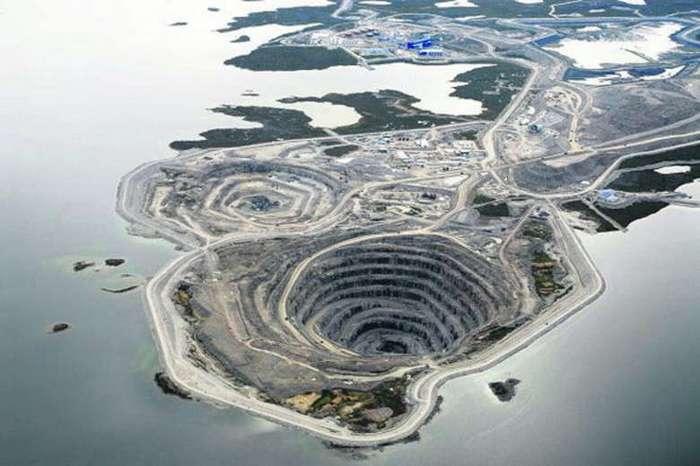 Алмазная дыра в воде