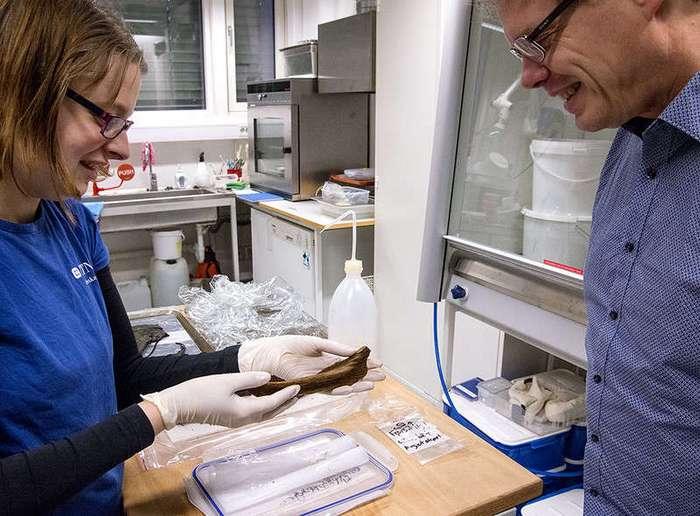 Археологи обнаружили игрушечную лодку, сделанную около 1000 лет назад
