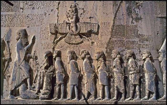 Игры персидского престола: безухий маг, честный убийца и находчивый конюх