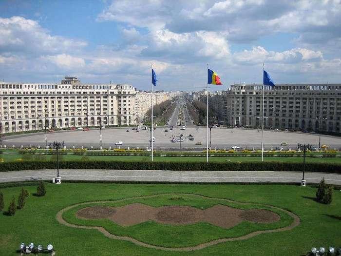 Дворец диктатора Чаушеску - гигант в Бухаресте