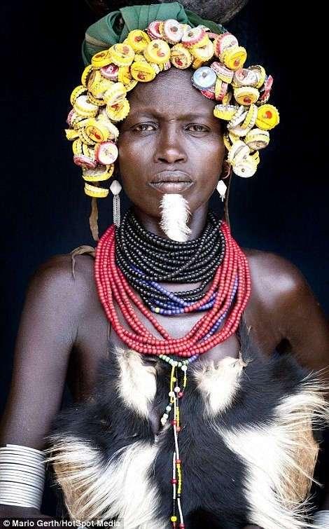 Племя членовредителей: шипы, шрамы и кровь