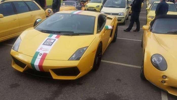 Сотни жёлтых авто приехали в деревню чтобы поддержать пенсионера