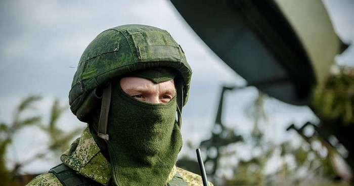 А из нашего окна... армия видна